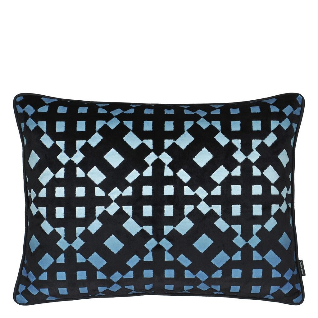 Soft L'Aveu Ruisseau Decorative Pillow