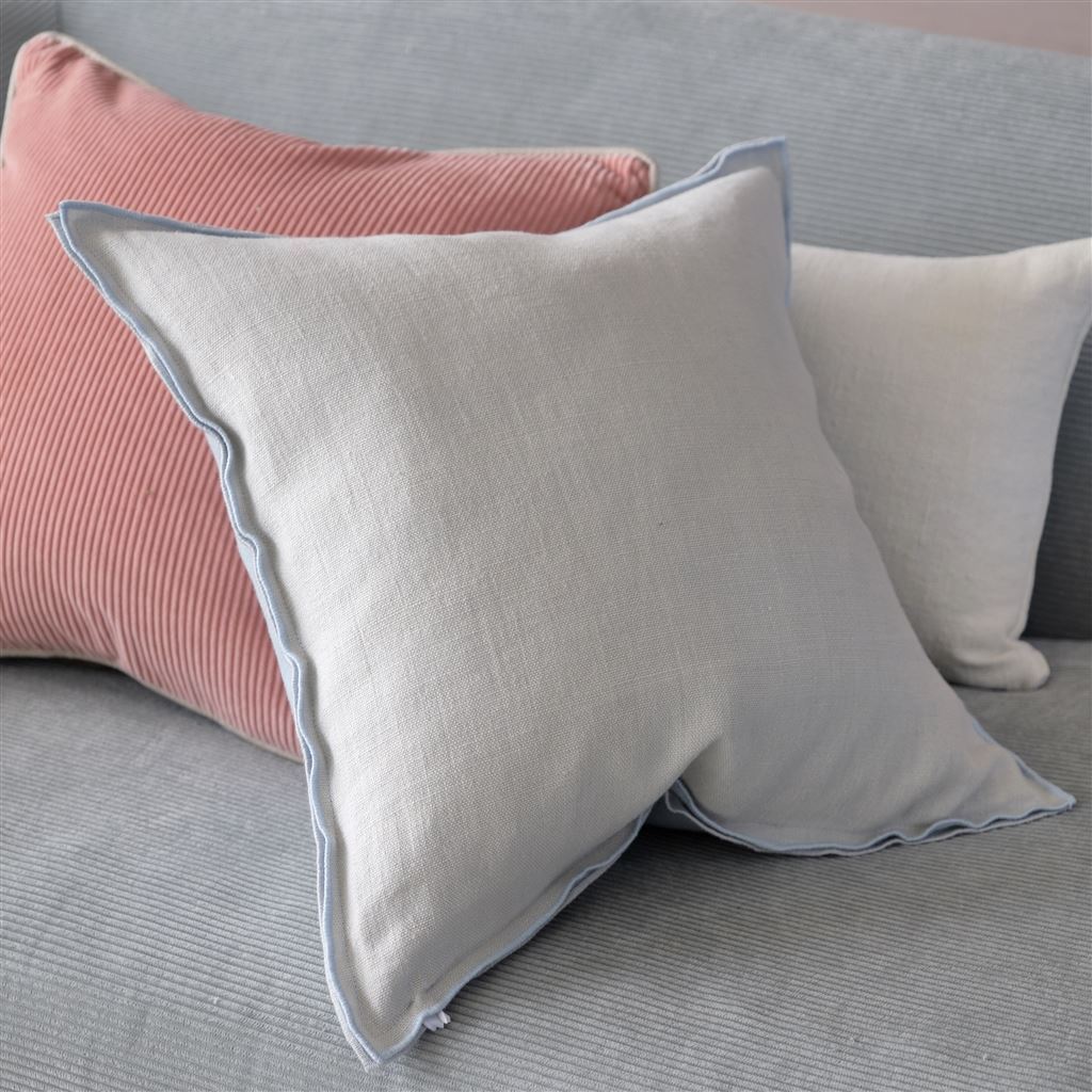 Brera Lino Sky & Cloud Pillow shown with Velluto Velvet