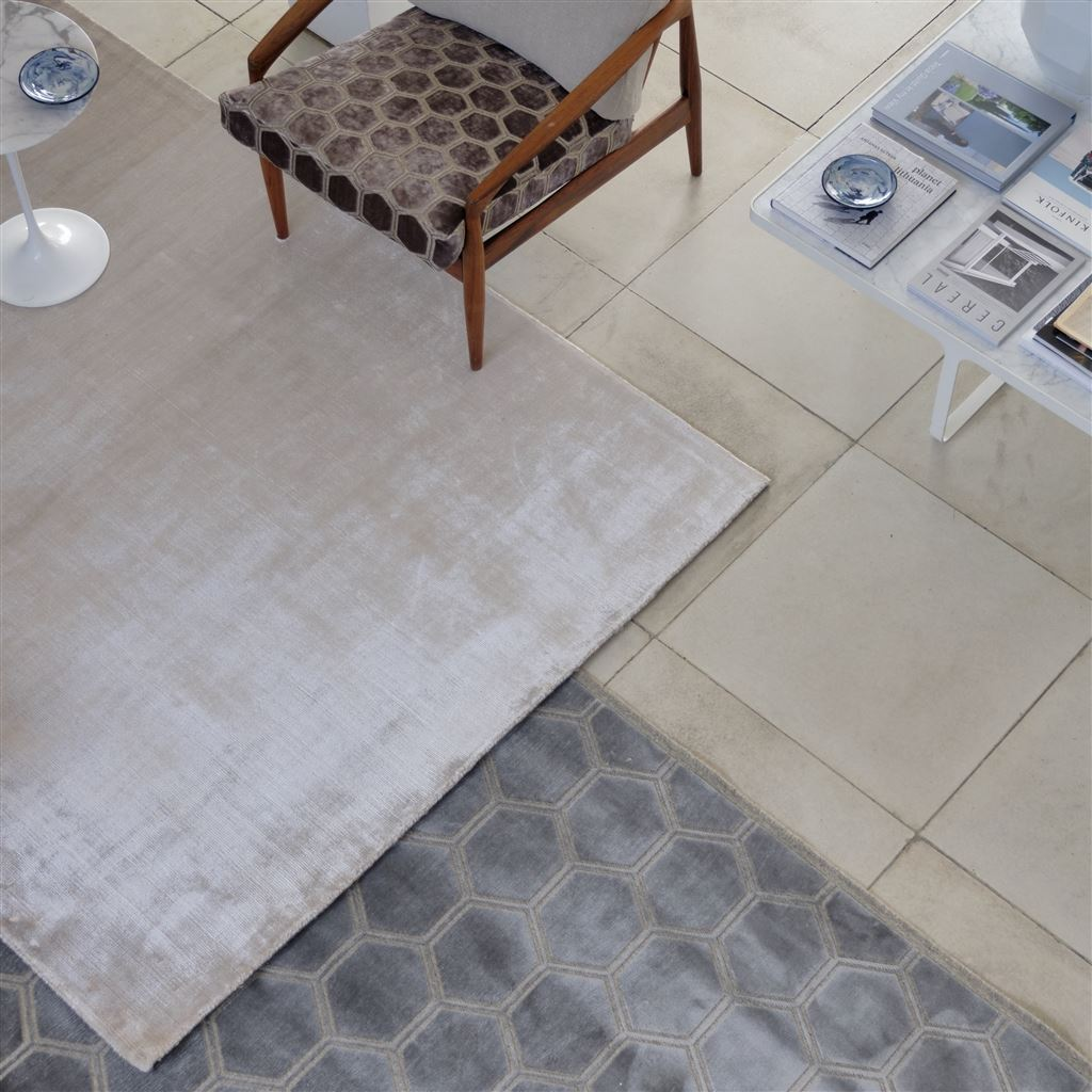 Eberson Mink Rug | Designers Guild Rugs Shown in Room