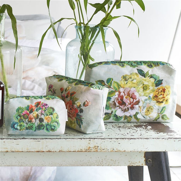 Grandiflora Rose Epice Large Toiletry Bag | Designers Guild - Shown with small & medium