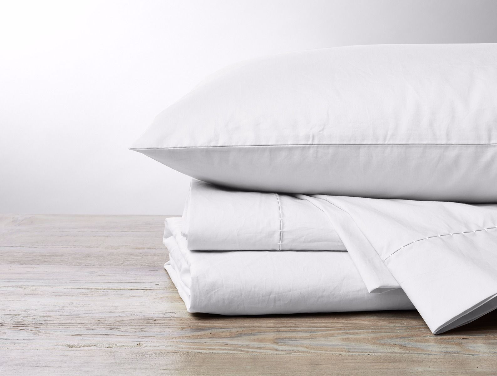 500 TC Organic Percale Sheets Alpine White Stack with Pillow