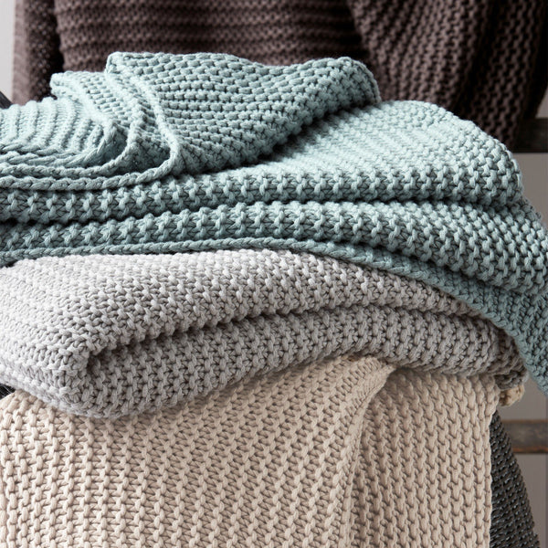 Orla Throw by Matouk - Chunky knit throw blankets - Fig Linens
