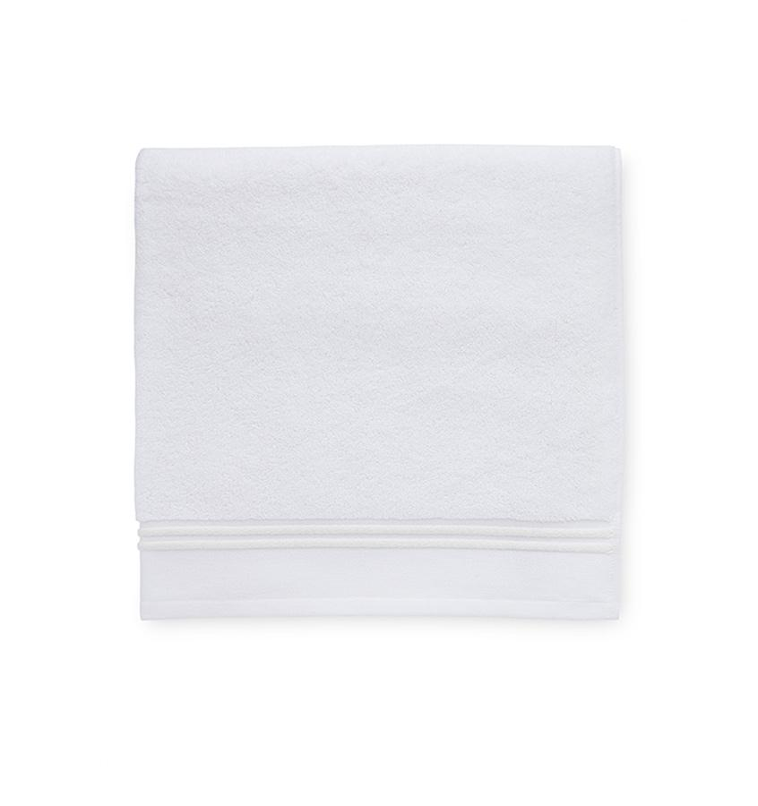Aura White & Ivory Bath Towels
