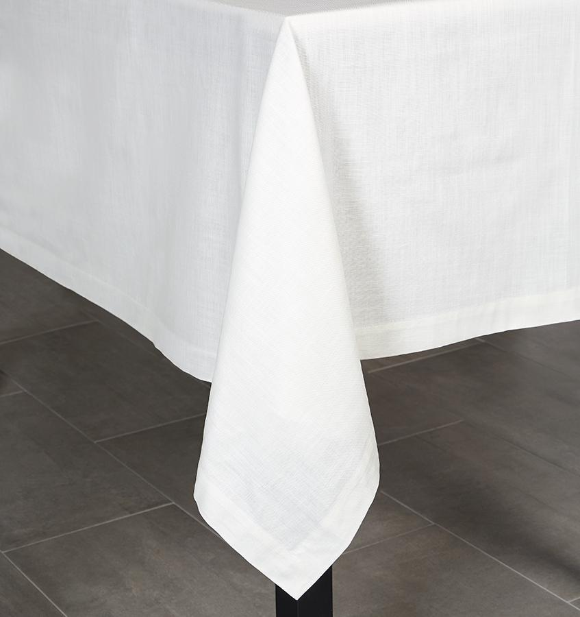 Terrific Cartlin White Tablecloths Napkins Interior Design Ideas Oxytryabchikinfo
