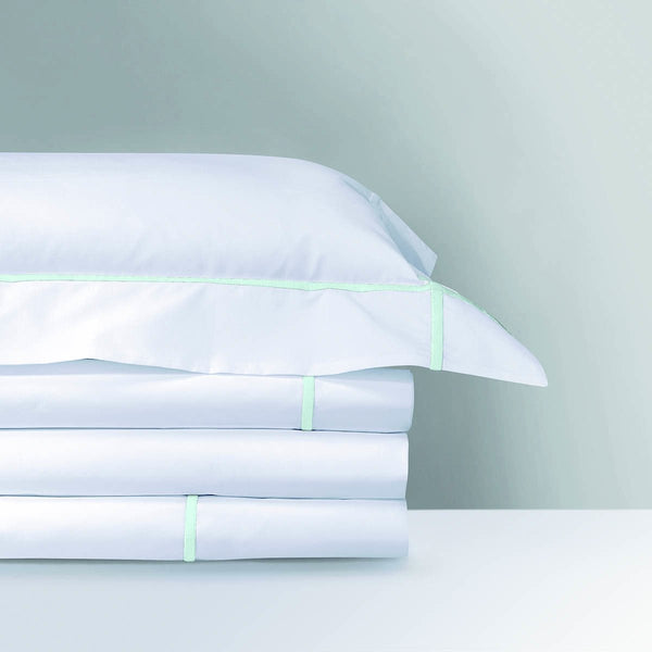 Yves Delorme Luxury Bedding Linens Towels Robes At