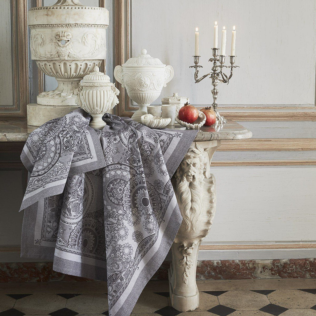 Le Jacquard Français Table Linen Porcelaine Kaolin Fig Linens