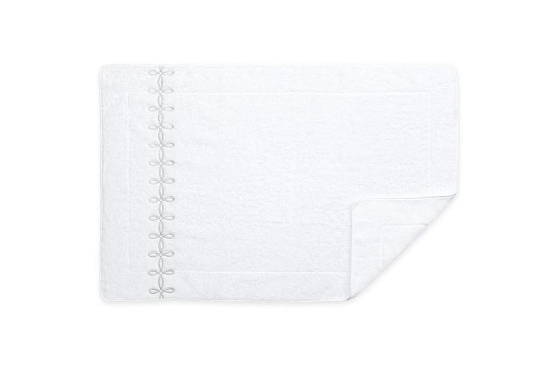 Matouk Gordian Knot Tub Mat in Silver | Fig Linens