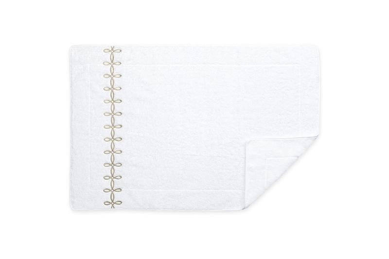 Matouk Gordian Knot Tub Mat in Truffle | Fig Linens