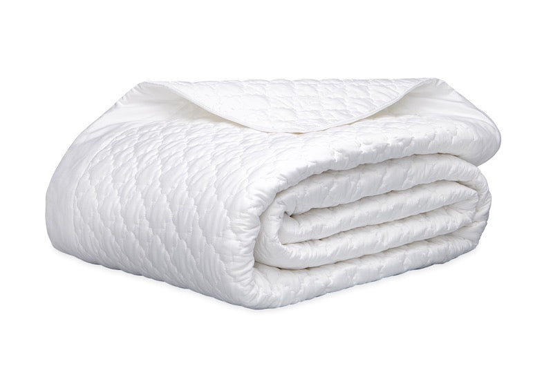 Matouk Ava Quilt in White | Fig Linens