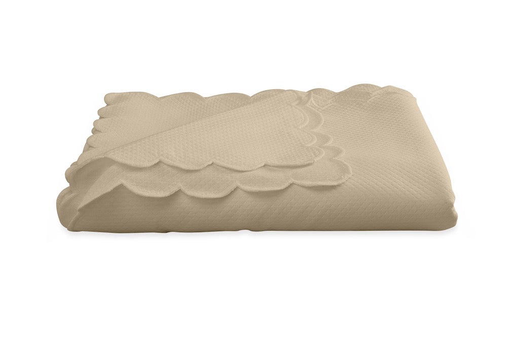 Savannah Gardens Oblong Linen Tablecloth | Matouk at Fig Linens