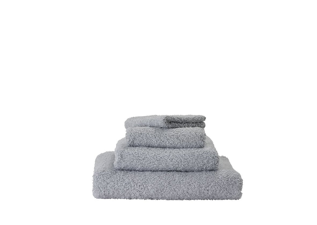Set of Abyss Super Pile Towels in Perle 930