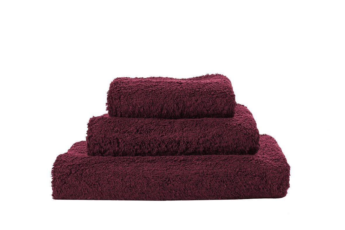 Set of Abyss Super Pile Towels in Rubis 520