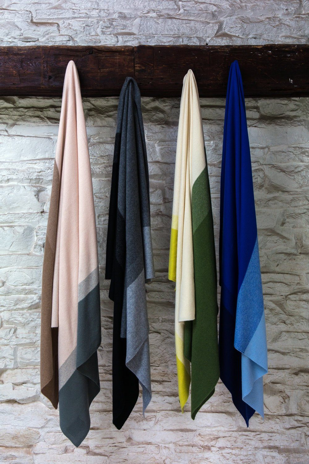 Hanging cashmere Throws in various color tones