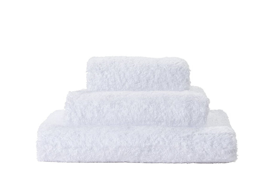 Set of Abyss Super Pile Towels in White 100