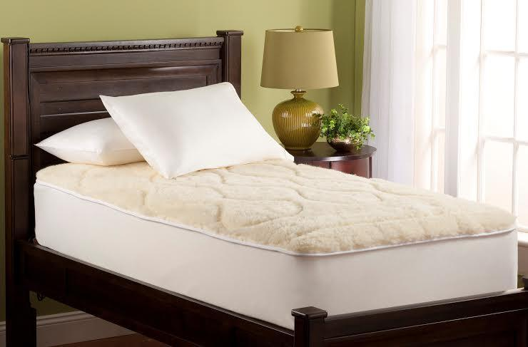 Traditional Wool Mattress Pad by Downright