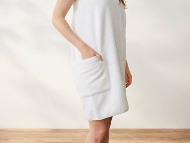 Fig Linens - Air Weight White Organic Bath Wrap with Pocket by Coyuchi | Fig Linens