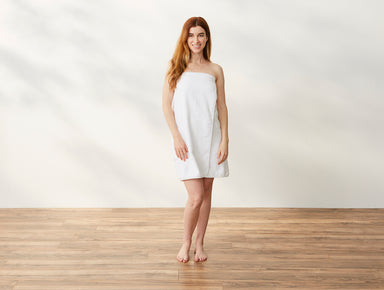 Air Weight White Organic Bath Wrap by Coyuchi | Fig Linens