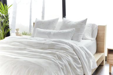Inverness White & Natural Organic Bedding by Coyuchi | Fig Linens