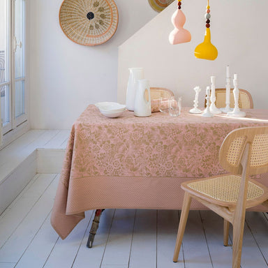 Osmose Aspen Table Linens by Le Jacquard Français | Fig Linens