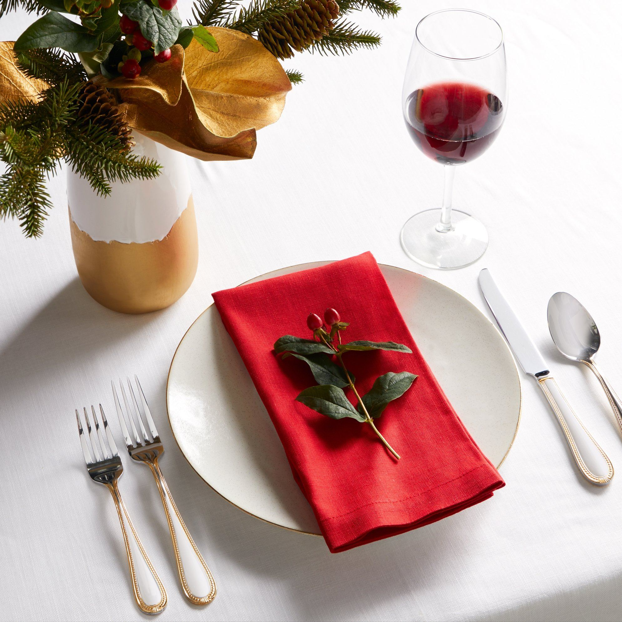 Cartlin Red Napkins (Set of 4) by Sferra