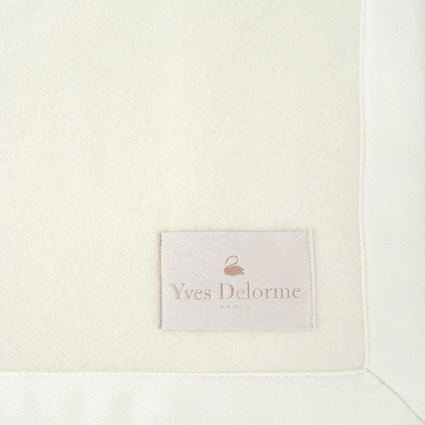 Duchesse Nacre Blanket by Yves Delorme | Fig Linens
