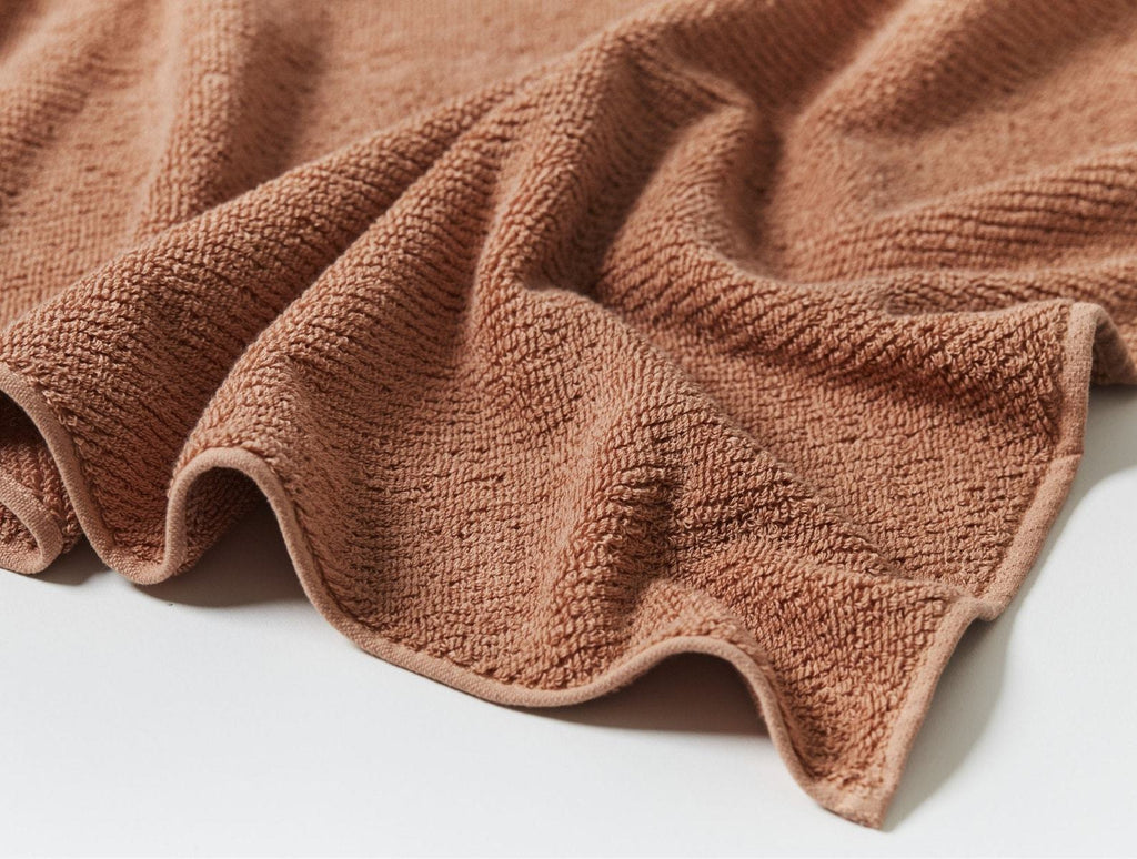 Coyuchi Air Weight Dusty Coral Organic Bath Mat | Fig Linens