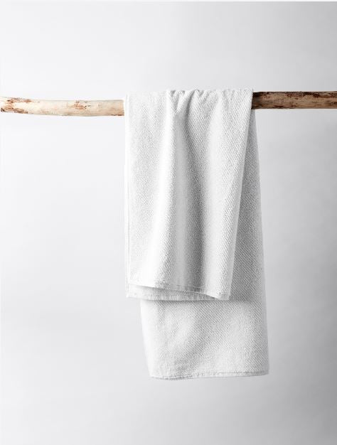 Air Weight Alpine White Organic Bath Towel | Fig Linens