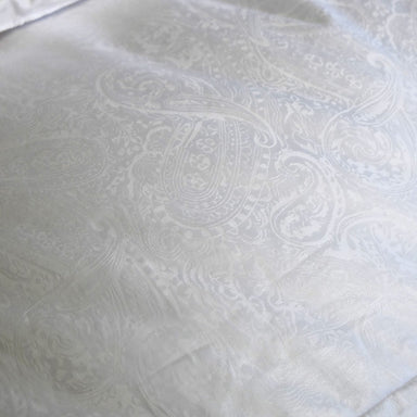 Down Comforter with Paisley pattern by Yves Delorme | Fig Linens