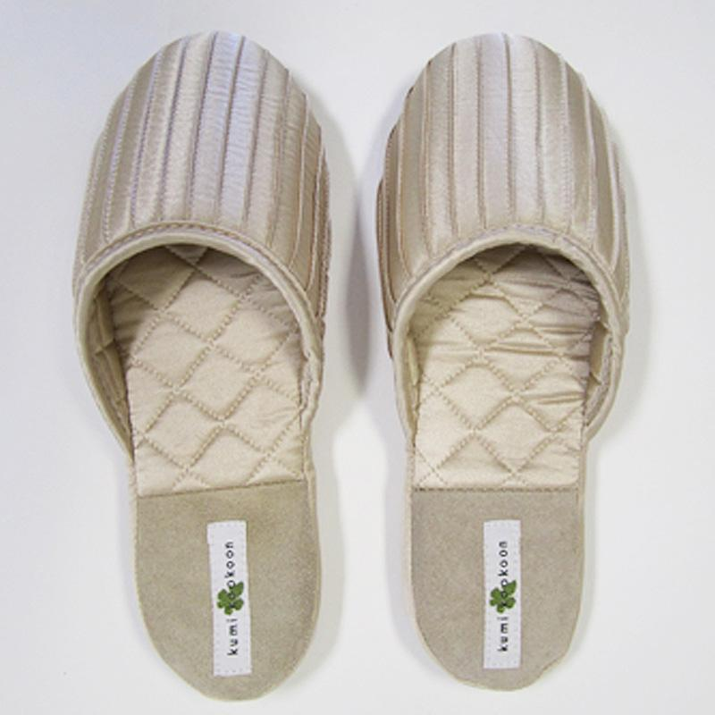 Kumi Kookoon French Pleat Silk Slippers | Fig Linens ivory
