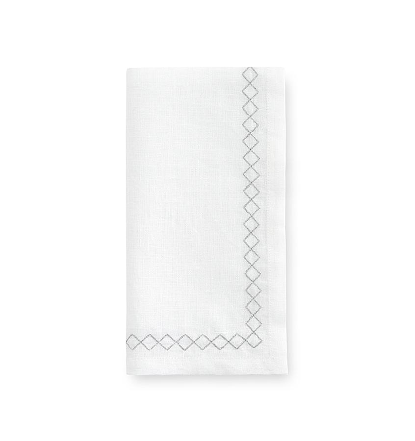 Sferra Table Linen Perry Tablecloth and Napkin Fig Linens