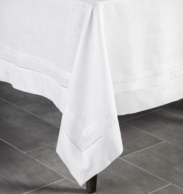 Sferra Table Linen Tipton Tablecloth and Napkin Fig Linens