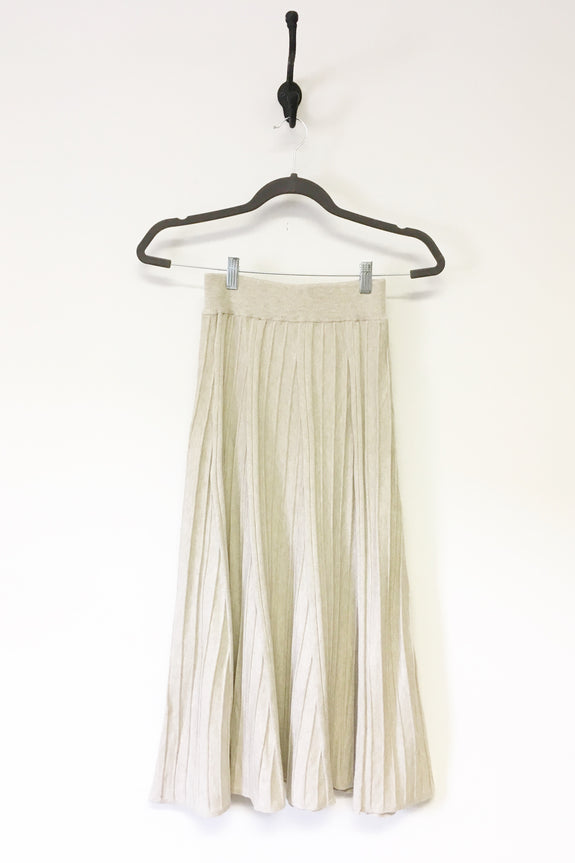 Pleated Knit Oatmeal Skirt