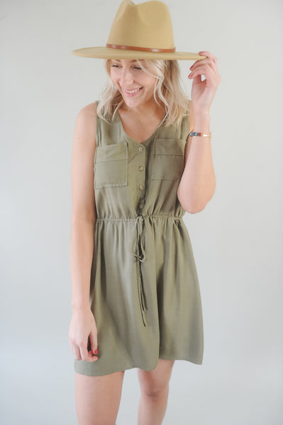 Vana Sleeveless Shirtdress