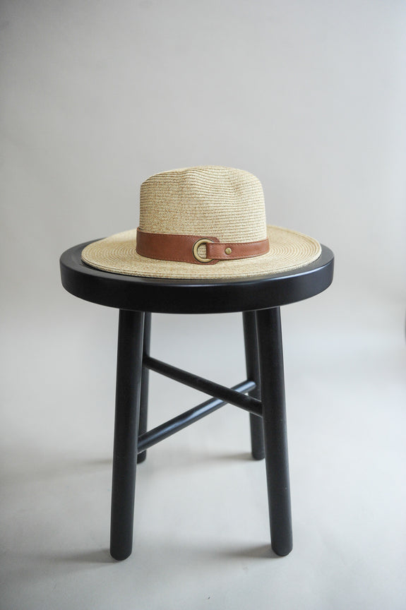 Faux Leather Belted Straw Panama hat