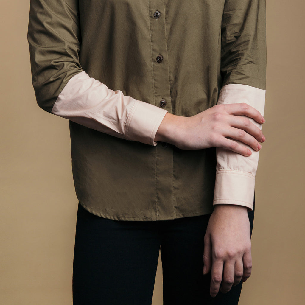 The Hand-Dipped Shirt - Matte Olive/DustyBlush. Color clock arm detail.
