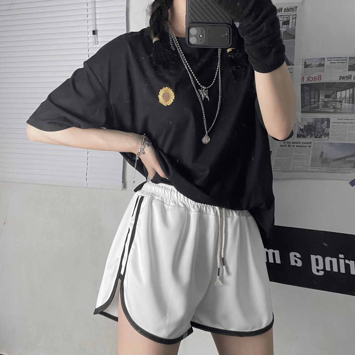 Korean of retro casual comfortable fabric elastic high waist women shorts