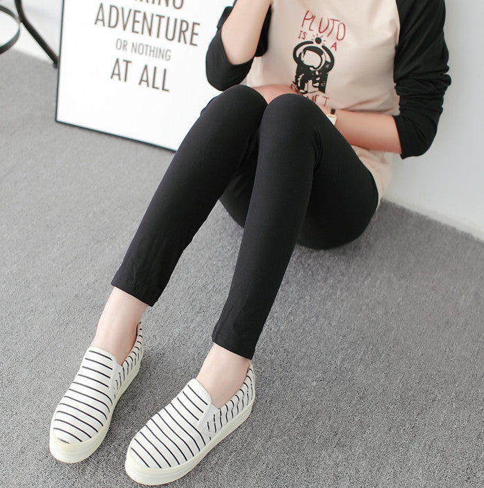 Black and White Vertical Striped Printed Women Leggings Casual Elasticity Ankle-Length Pant Female Fitnes Legging