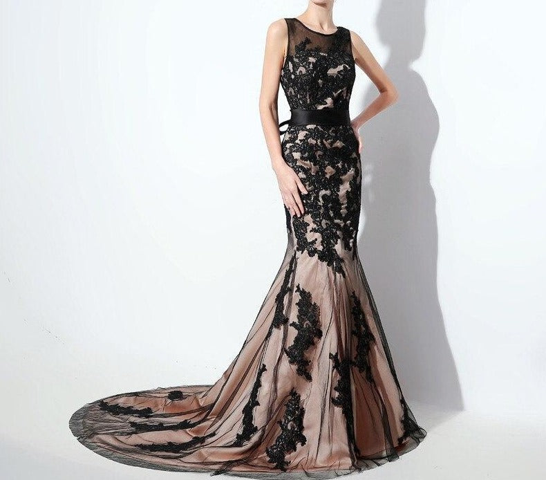 Black Lace Formal Evening Dresses Elegant Sheer Neck Mermaid Long Party Prom Gowns Keyhole Back Sweep Train SD325