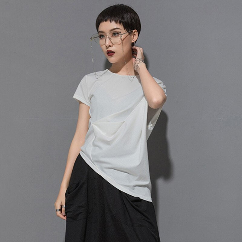 EAM Spring Summer Round Neck Short Sleeve Black Irregular Fold Pleated Irregular T-shirt Women Tide JT616