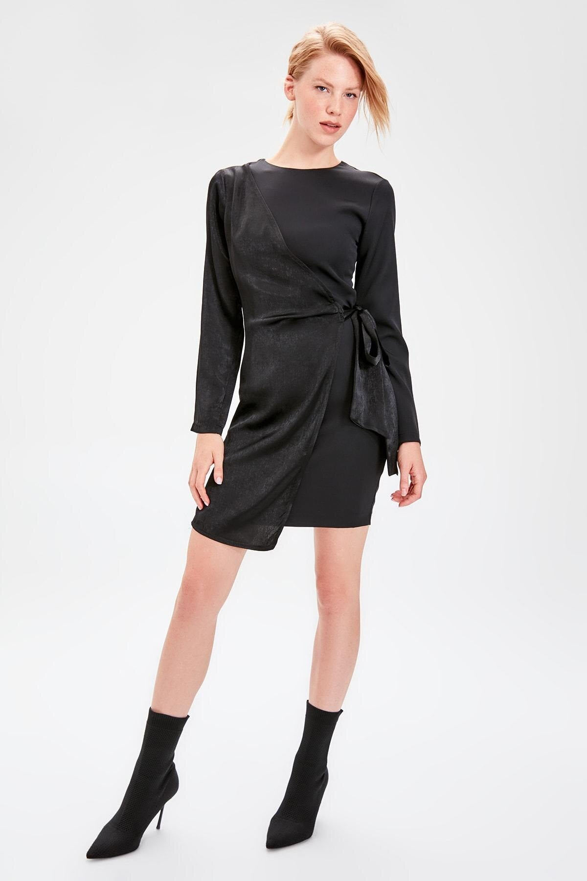 Black Lacing Detail Dress TWOAW20EL1059