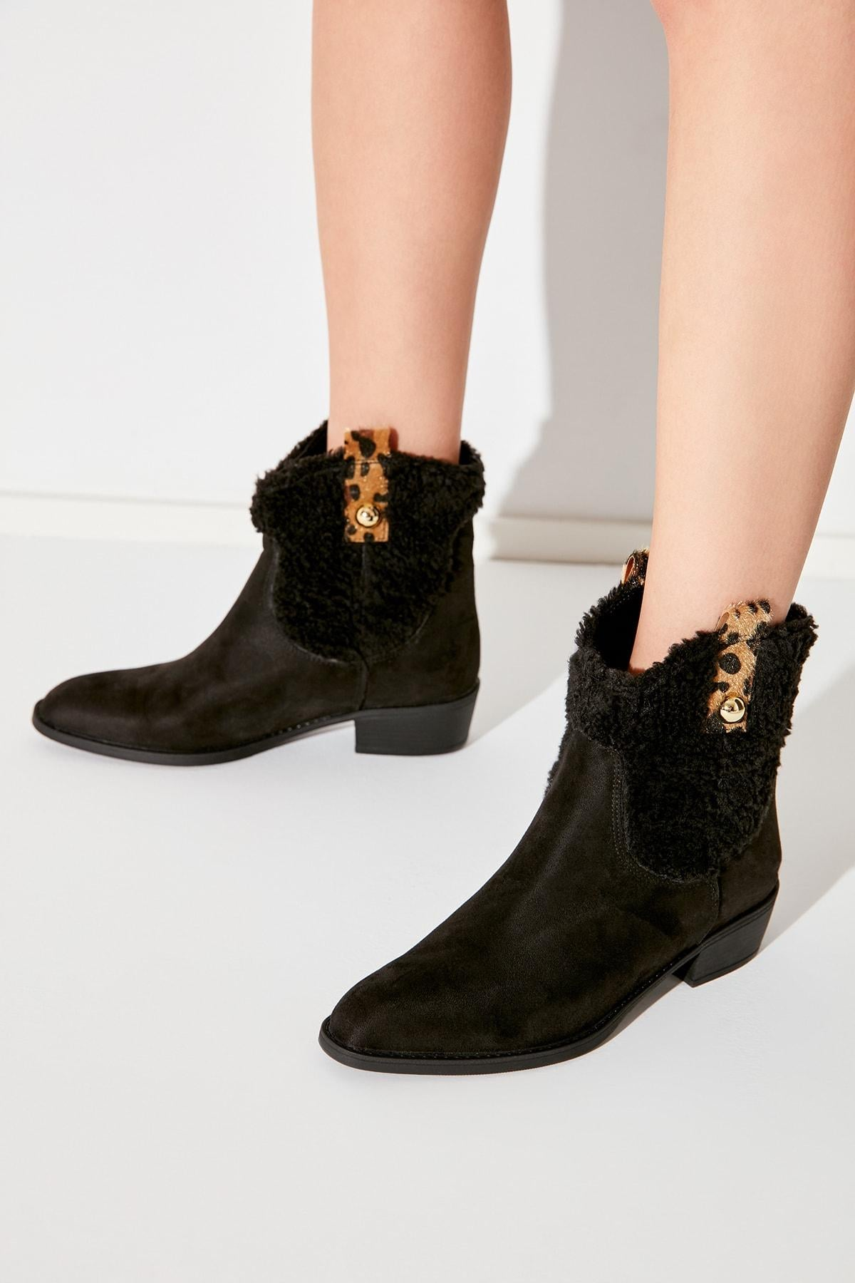Black Suede Leopard Detailed Woman Boots TAKAW20BO0052
