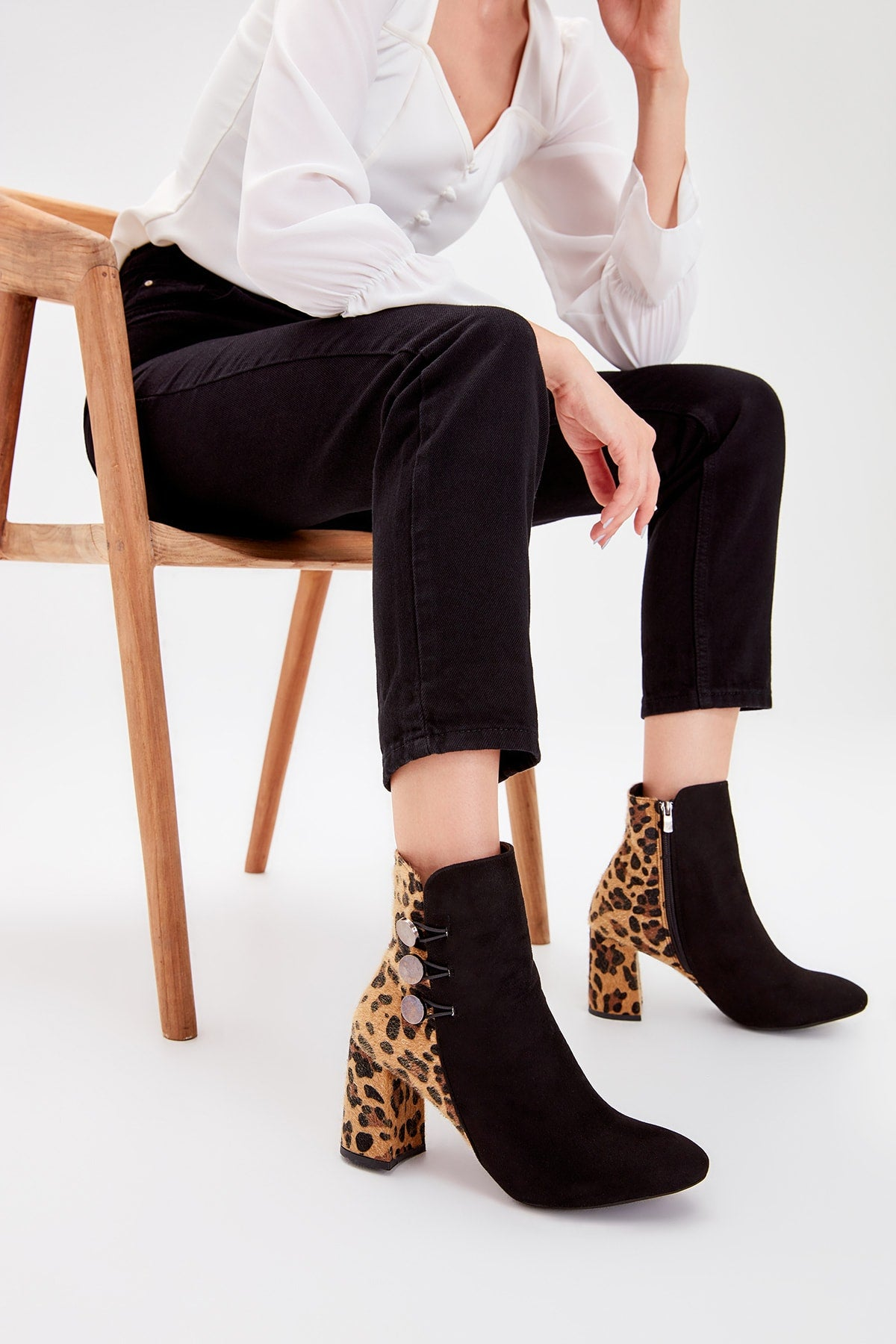 Brown Colt Feather Leopard Pattern Women Boots TAKAW20BO0080