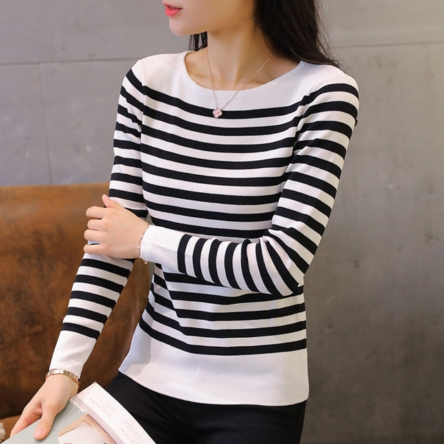 Kumeiya Autumn Winter Striped Sweater Women Knitted Pullover Long Sleeves Elasticity Femme Jumper Thin Black White Woman Clothes