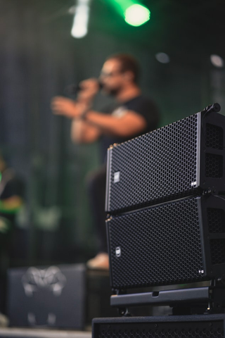 Line Array Speakers