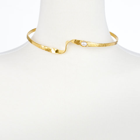 Thin Hammered Wave Choker Necklace