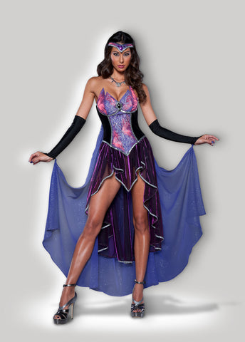 Seductive Sorceress 8033