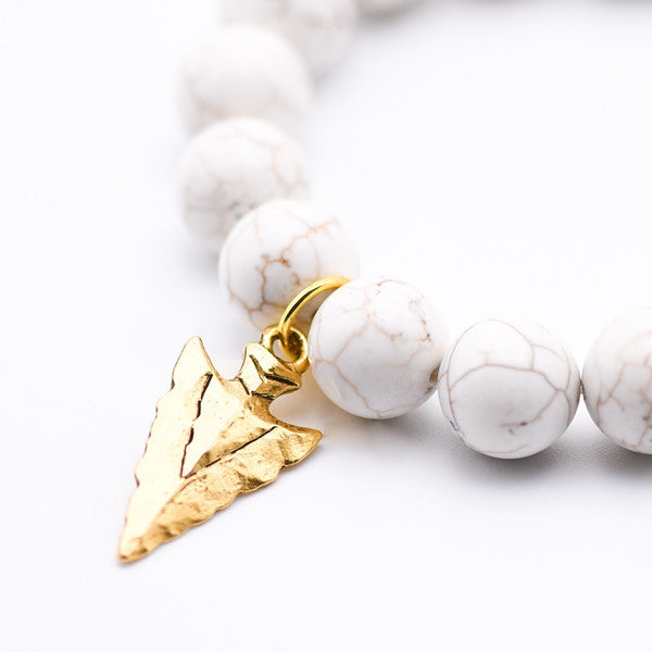 Howlite gemstone beaded bracelet with hammered gold arrow charm