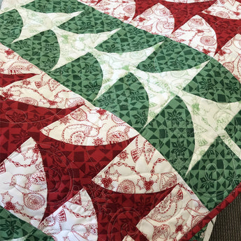 Christmas Tree Table Runner (Free) Pattern and Tutorial