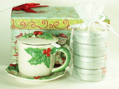 Holly Teacup Gift Set