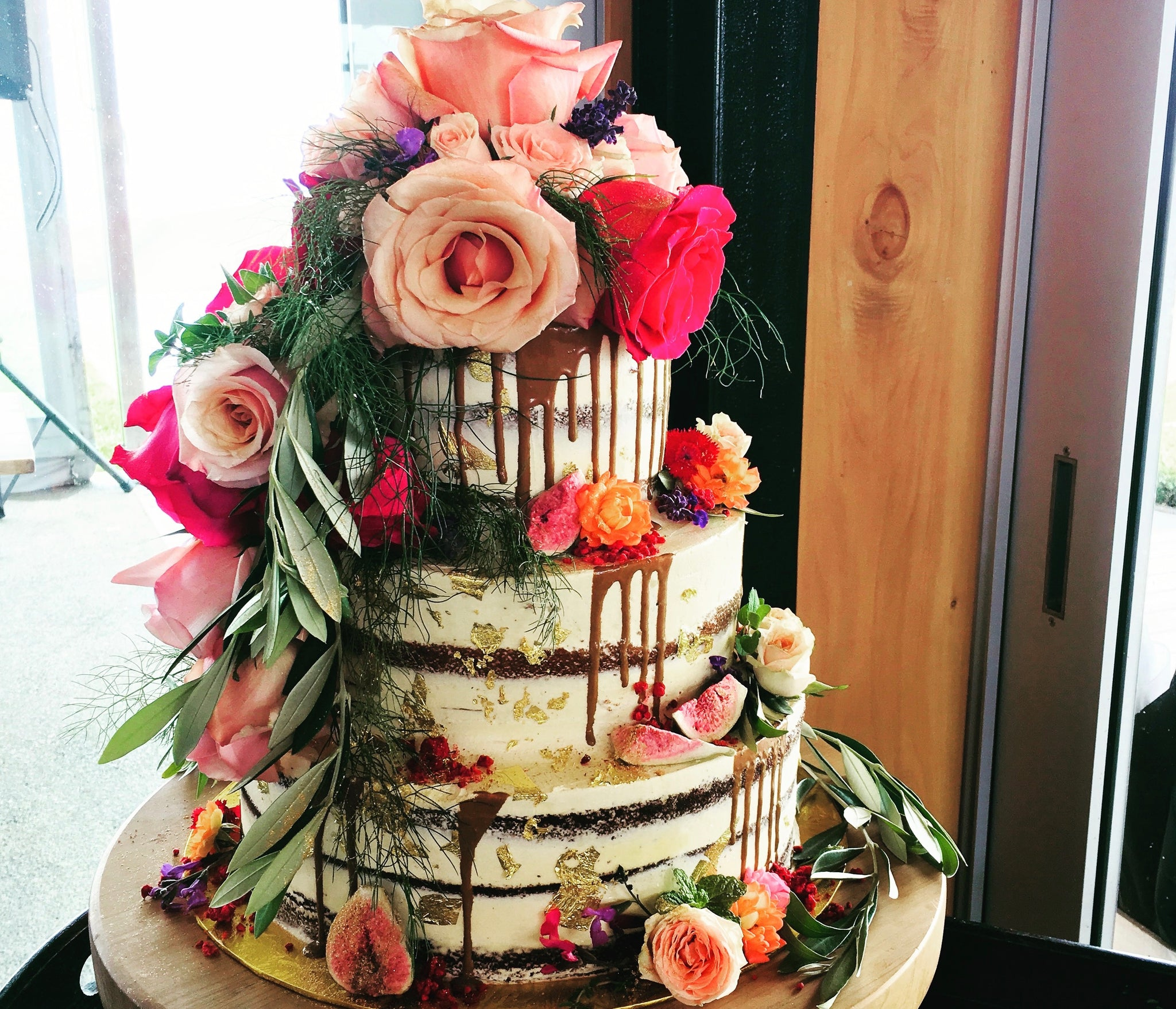 tiered wedding cake edible flowers